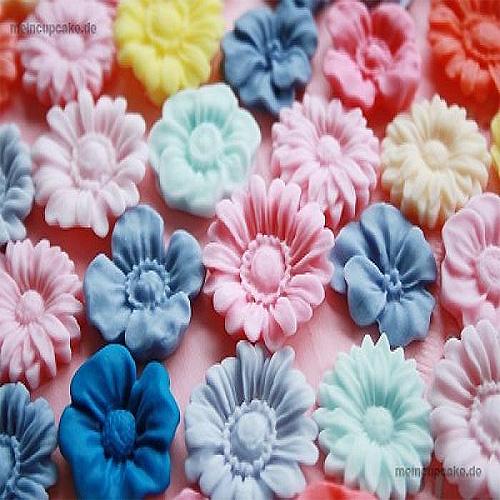silikonform f r cupcakes tortendeko gie form 11 blumen meincupcake shop. Black Bedroom Furniture Sets. Home Design Ideas
