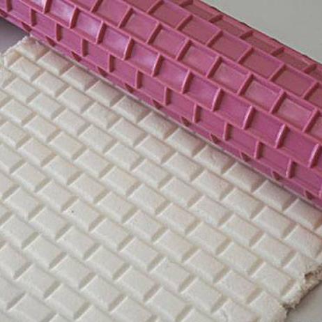 silikomart strukturrolle f r fondant motiv ziegelstein 40 cm breit meincupcake shop. Black Bedroom Furniture Sets. Home Design Ideas